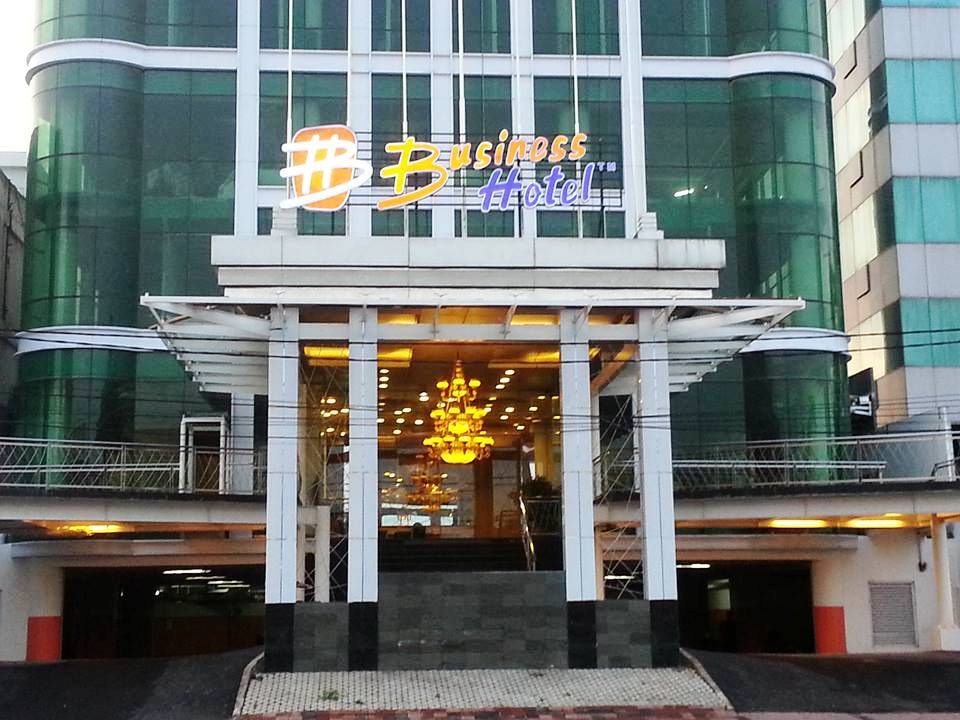 D Primahotel By Home In Airport Makassar Suggested Page